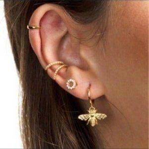 **New 18k Bee Gold Stud Earrings